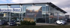 Banner am Firmengebäude bei Stern Auto Magdeburg