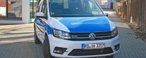 VW Caddy nach der Folierung von vorn
